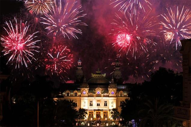 fireworks-monaco-feux-d-artifices-pyromelodiques